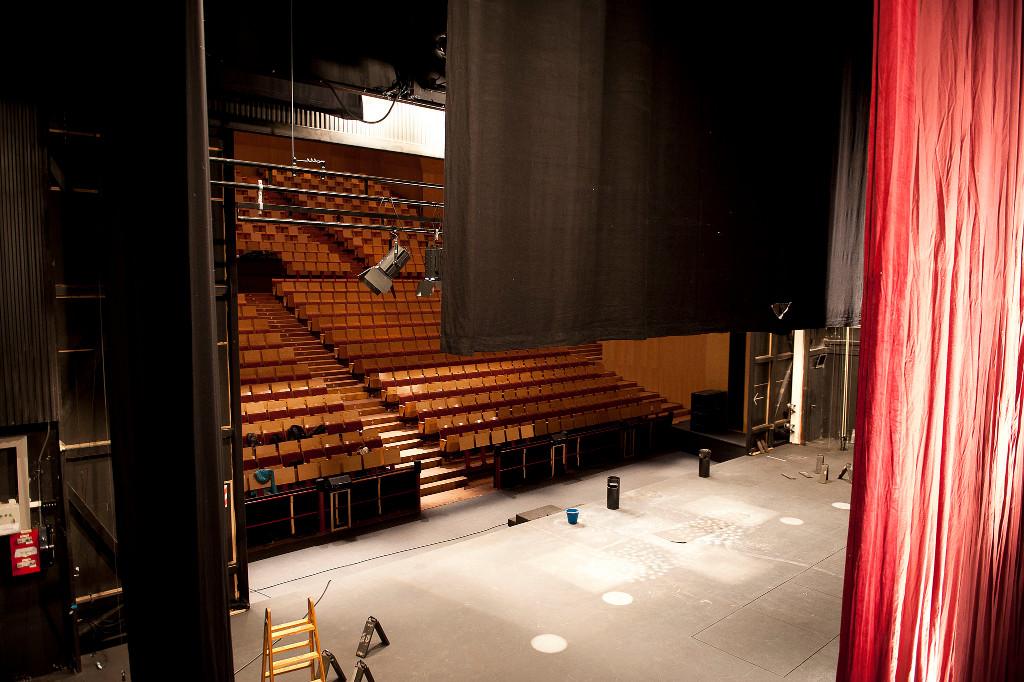 [:es]Escenografía en proceso Teatro Carlos III Madrid[:en]Scenography  Teatro Carlos III Madrid[:]